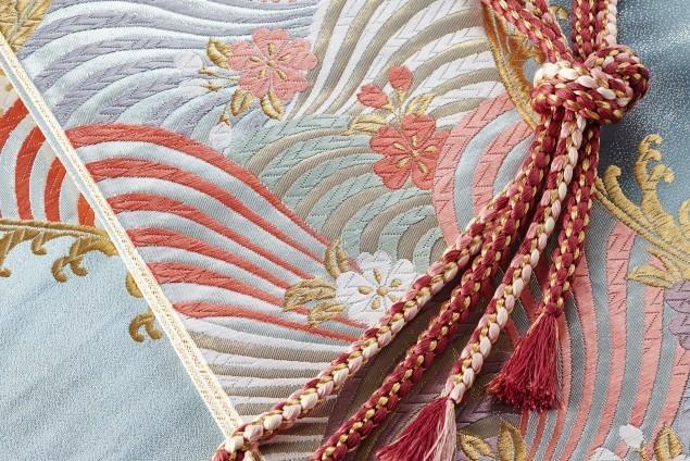 連綿と続く日本人の見栄っ張り気質…祭壇の巨大化へ